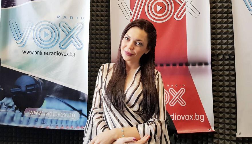 Фолк певицата Ашли предизвика истински бунт с последната си песен