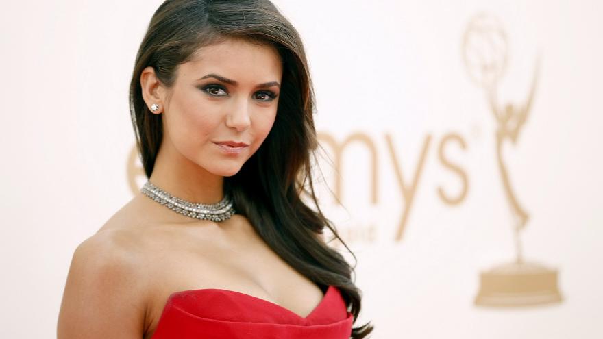 Актрисата от София Нина Добрев обяви, че смята себе си