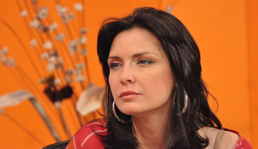 Жени Калканджиева влиза в политиката и става евродепутат. И преди