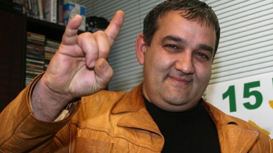 Фолк легендата Радо Шишарката стана баща на момче на 53